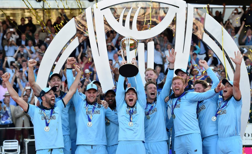 England Cricket World Cup Glory trophyLift-1024x626